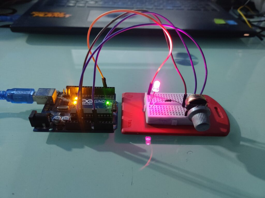 controlling led brightness with arduino and potentiometer