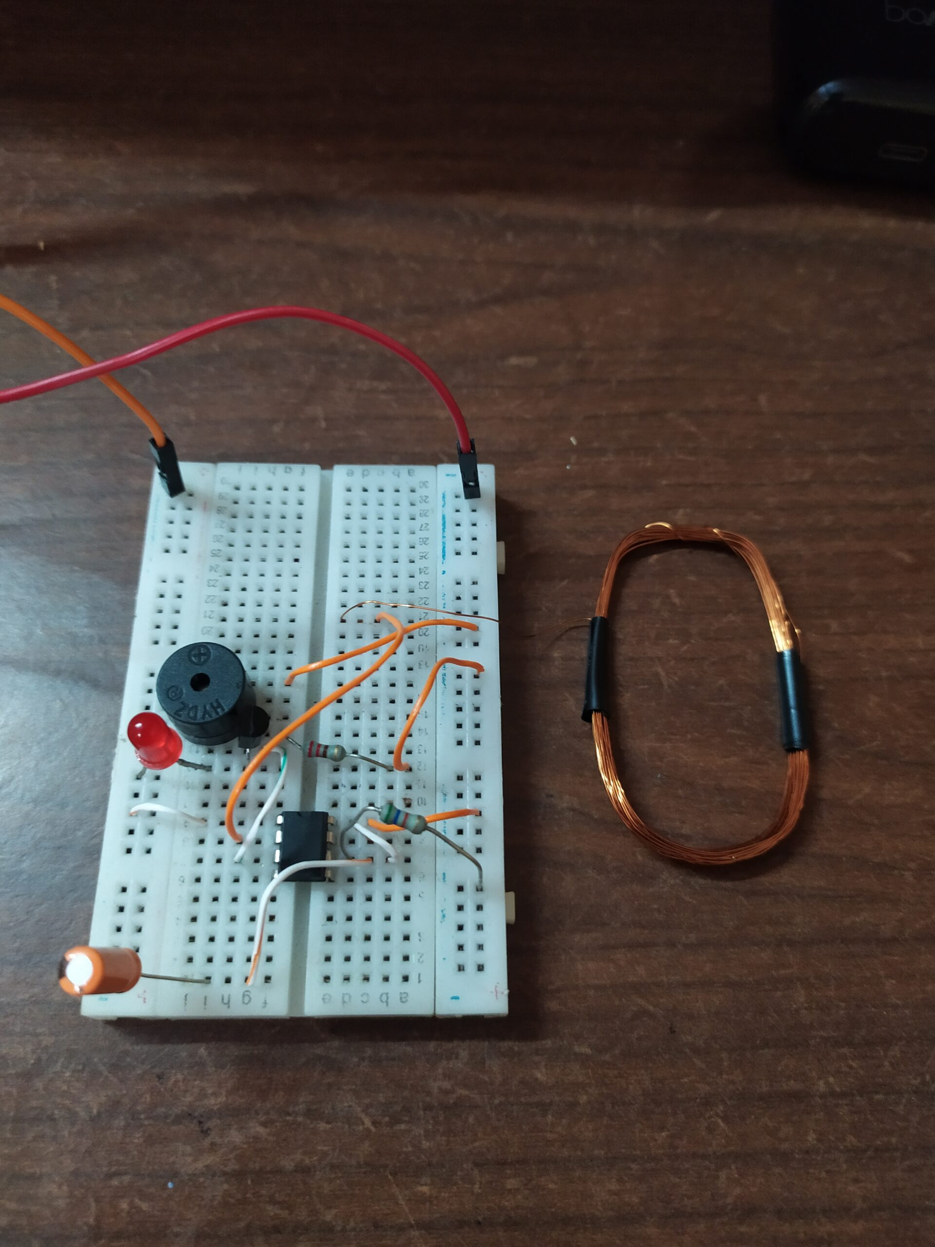 current detector using ic 555